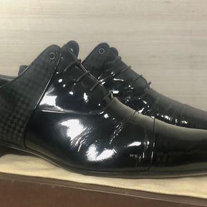 Louis Vuitton . Authentic Shoes for Sale in Miami, FL