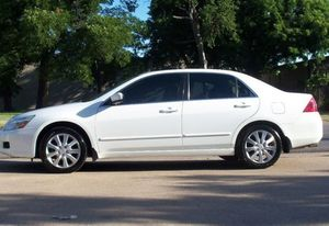 Luxxe,, 2OO6 Honda Accord AWDWheelssForSalee for Sale in WHT SETTLEMT, TX