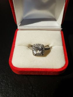 Women's Engagement Ring sz 7.5-8 for Sale in Lawrenceville,  GA