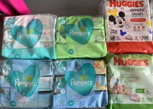 Huggies or pamper baby wipes 3pack for Sale in Lehigh Acres, FL
