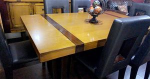 Dining table with 6 chairs for Sale in Hialeah, FL