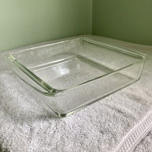 "VINTAGE ""PYREX 222"" - 8"" CLEAR BAKING DISH... for Sale in Laurel Springs, NJ"
