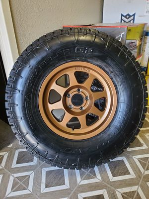 "17"" Method Wheels and 35"" Nitto All Terrain Tires for Sale in Orange, CA"