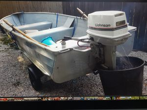 14 foot aluminum boat with 25 horsepower motor and trailer for Sale in Danbury, CT