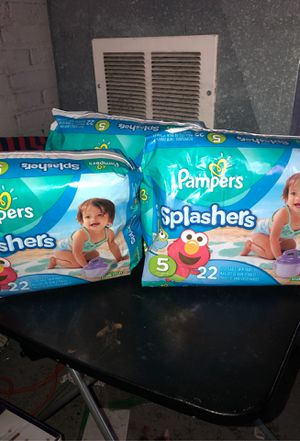 Pampers splashers (swim diapers) size 5 for Sale in Cleveland, OH