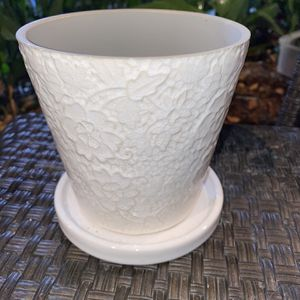 NEW Beautiful White Floral Planter Pot With Drainage Hole & White Saucer for Sale in Los Angeles, CA