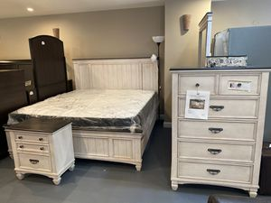 New 5Pc King Bedroom Set for Sale in Winston-Salem, NC
