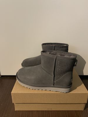 100% Authentic Brand New in Box UGG Classic Mini Boots / Color: Charcoal Grey / Women size 7 for Sale in Walnut Creek, CA