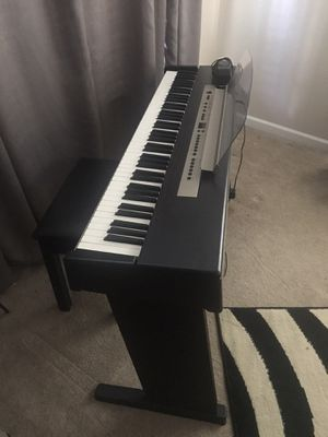 Samick Digital Piano with Storage Bench for Sale in Greenville, SC