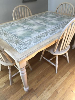 Kitchen table with 4 matching chairs for Sale in Clinton, MA