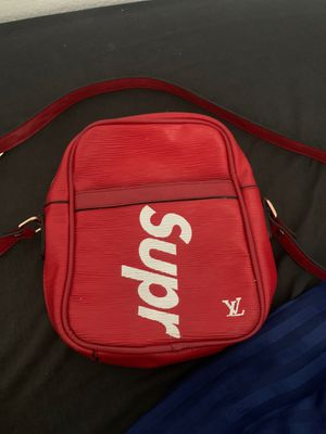 Supreme shoulder bag for Sale in Fontana, CA