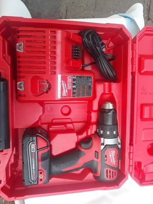Milwaukee m18 drill kit for Sale in San Antonio, TX