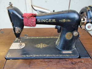 Antique 1925 Singer sewing machine folding table desk cabinet for Sale in Saratoga, CA