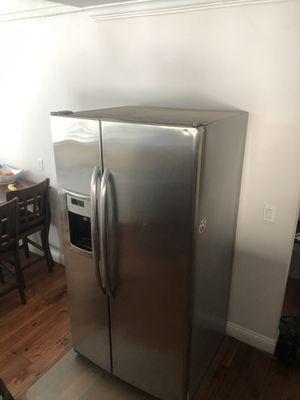Refrigerator for Sale in Carson, CA