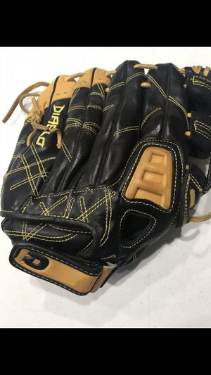Slightly Used Demarini Diablo glove 12 1/2 for Sale in San Jacinto, CA