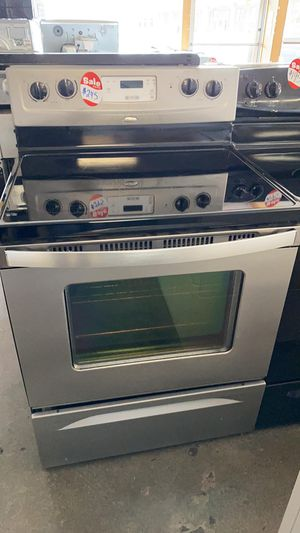 REFURBISHED WHIRPOOL ELECTRIC STOVE STAINLESS STEEL for Sale in Fort Belvoir, VA