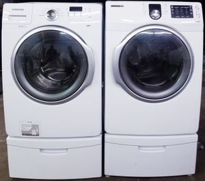 Samsung washer end dryer front load with pedestals for Sale in Gallatin, TN
