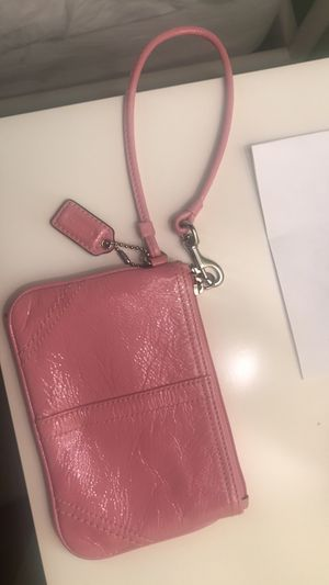 REAL Leather COACH Wristlet for Sale in Columbus, OH