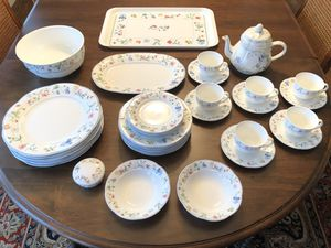 "Gorgeous Villeroy & Boch ""Mariposa"" 34 Piece Bone China Set for Sale in Gig Harbor, WA"