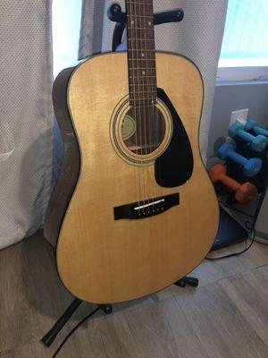 Yamaha acoustic guitar starter kit for Sale in Santa Ana, CA