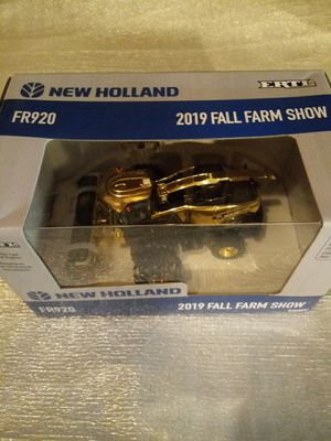 New holland fr920 2019 all farm show truck for Sale in Arlington Heights, IL