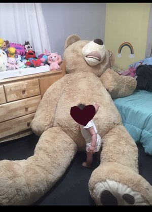 8 ft bear plush for Sale in Pembroke Pines, FL