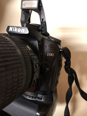 Nikon D90 battery grip charger for Sale in Miami, FL
