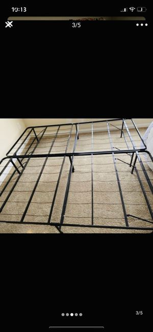 King size bed frame for Sale in Tampa, FL