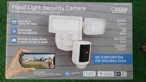 Feit electric flood light security camera for Sale in Compton, CA