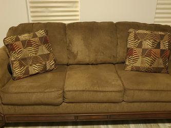Free Couch for Sale in Pittsburgh,  PA