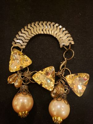 $12! Vintage pyramid shape yellow rhinestone and faux pearl bracelet. 7.5 inches. for Sale in Largo, FL
