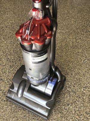 Powerful DC Dyson vacuum for Sale in Cave Creek, AZ