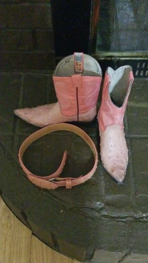 Girls cowboy boots with matching belt for Sale in Goose Creek, SC