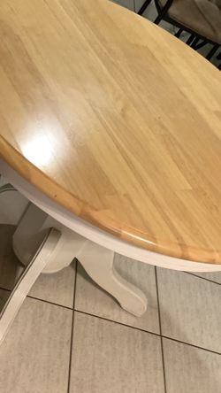 Table for Sale in Tarpon Springs,  FL