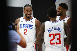 LA CLIPPERS GAMES AVAILABLE for Sale in Los Angeles, CA