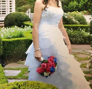 David Bridal's Beautiful wedding dress for Sale in Elmwood Park, NJ