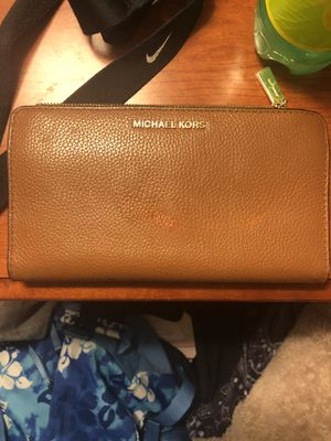 Michael kors wallet for Sale in Blaine, WA