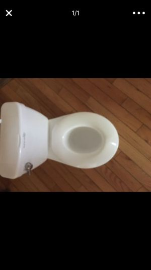 Toddler mini toilet with flush sound like new for Sale in Washington, DC