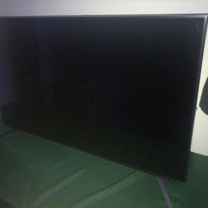 cracked TCL 55 inch tv for Sale in Mount Rainier, MD