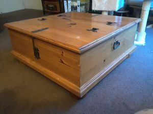 Coffee table both sides open up for storage for Sale in Modesto, CA