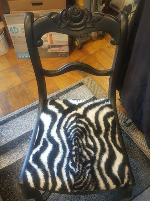 Vintage accent chair for Sale in Gaithersburg, MD