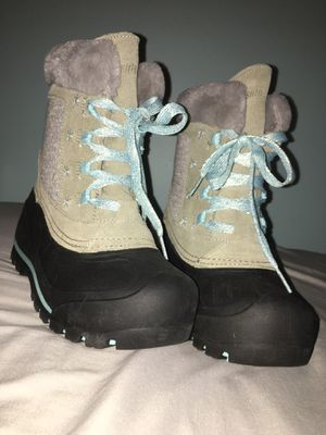 Thinsulate kids snow boots for Sale in Aberdeen, MD