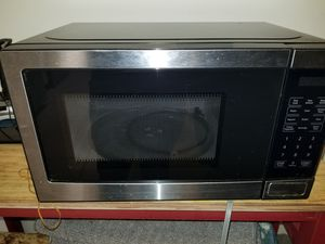 Walmart small microwave oven for Sale in Boca Raton, FL