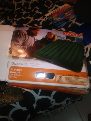 Queen Size Air Mattress for Sale in Pembroke Pines, FL