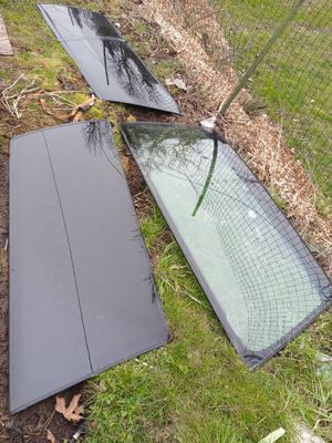 95 suburban windshield and rear side windows for Sale in Seattle, WA