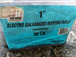 30 lb of roofing nails for Sale in South Williamsport, PA