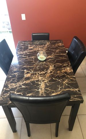Dining Room Table for Sale in Riverview, FL