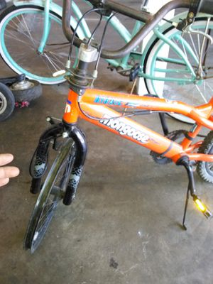 Bicicleta 20 lefalta nomas el sillon for Sale in Montclair, CA