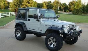 Great 05 Jeep Wrangler 4WDWheels Clean for Sale in Seattle, WA