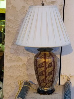 GORGEOUS ORIENTAL TABLE LAMP for Sale in Oceanside, CA